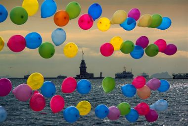 Picture of Balloon and Maiden's Tower